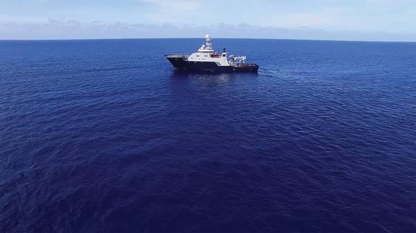 R / V Petrel ، المملوكة من قبل Cofounder Microsoft و Philanthropist Paul G. Allen ، في عرض البحر للبحث عن USS Indianapolis. (الصورة من بول ج. ألين)