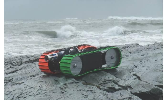 Figure 1: The Sea Otter Surf Zone Crawler