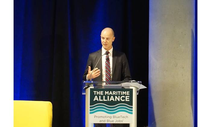 Pål Narve Somdalen delivers the morning keynote speech at the BlueTech Summit & Tech Expo in San Diego on November 8, 2017 (Photo: Eric Haun)