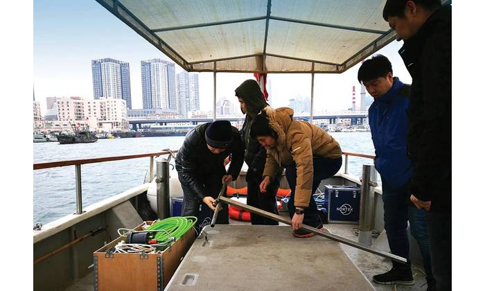 Nortek staff in China mobilizing the Signature VM package under the attentive eye of end user Wang Yan, Senior Manager of Hydrology at CCCC's Zhongjiao No.1 Hangwu Engineering Reconnaissance Design Institute. As Signature VM is a straightforward plug-and-play system for current surveying, the crew were able to sail out for a test survey after only approximately 30 minutes of setup. Image: Nortek