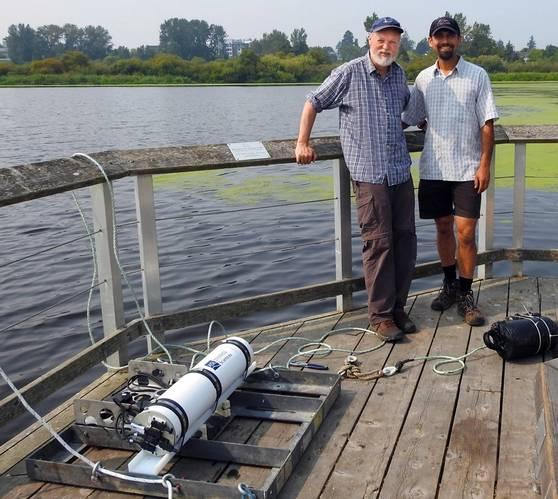 Rob Bowen with Jay Rastogi (Swan Lake and Christmas Hill Nature Sanctuary site manager) and AZFP (photo credit Matt Stone)