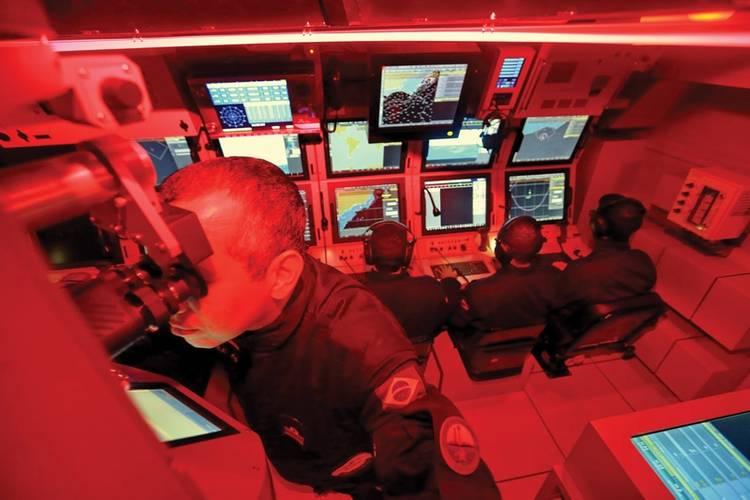 Control room of the S 40 -Brazil´s most modern submarine. Image Gaúcha Zero Hora