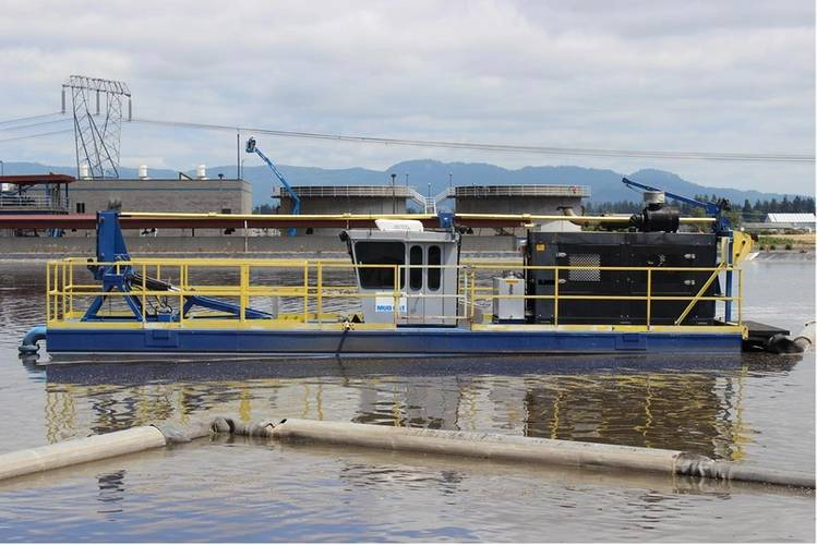 The dredge travels on a line in a lagoon full of biosolids. (Photo: Straightpoint)