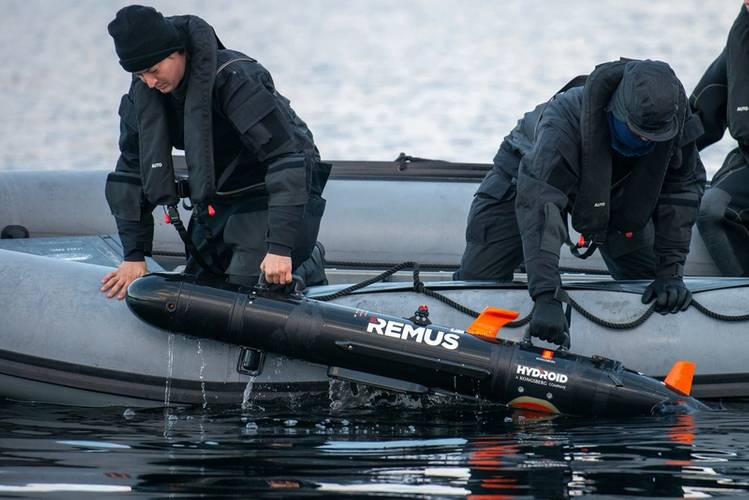 Dutch Navy REMUS (Remote Environmental Monitoring Units)Team recovers the Autonomous Underwater Vehicle while performing a bottom of the sea reconnaissance prior amphibious maneuvers during Trident Juncture 18 . Trident Juncture 18 is designed to ensure that NATO forces are trained, able to operate together and ready to respond to any threat from any direction. Trident Juncture 18 takes place in Norway and the surrounding areas of the North Atlantic and the Baltic Sea, including Iceland and the