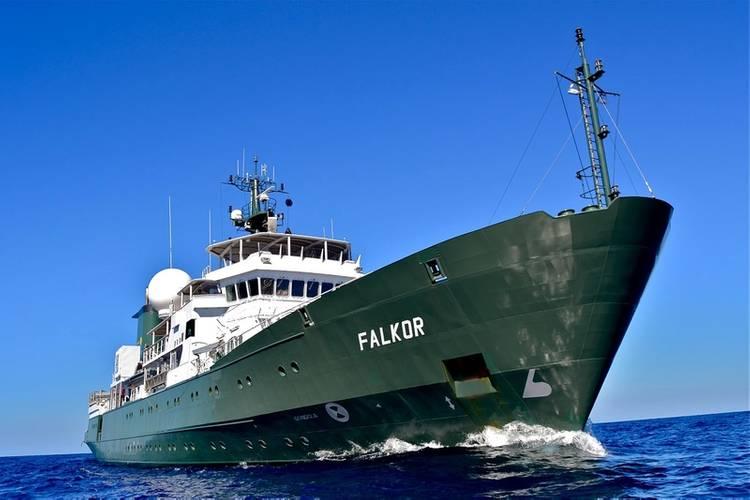 RV Falkor (Photo: Schmidt Ocean Institute)