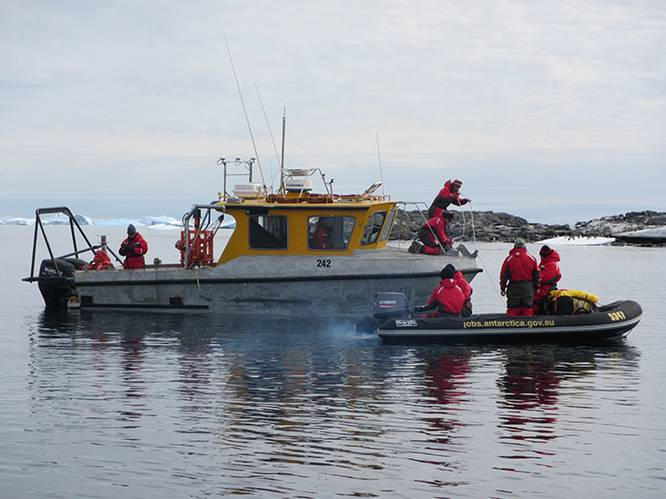Joint hydrographic and seabed characterization survey in coastal waters off Davis station, Antarctica. (Photo: Royal Australian Navy)