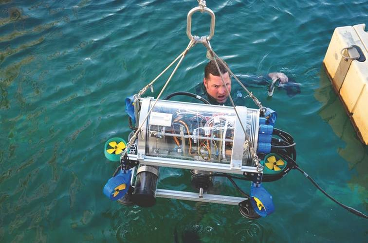 Nautilus AUV ready for action (Image: UFRJ Nautilus)
