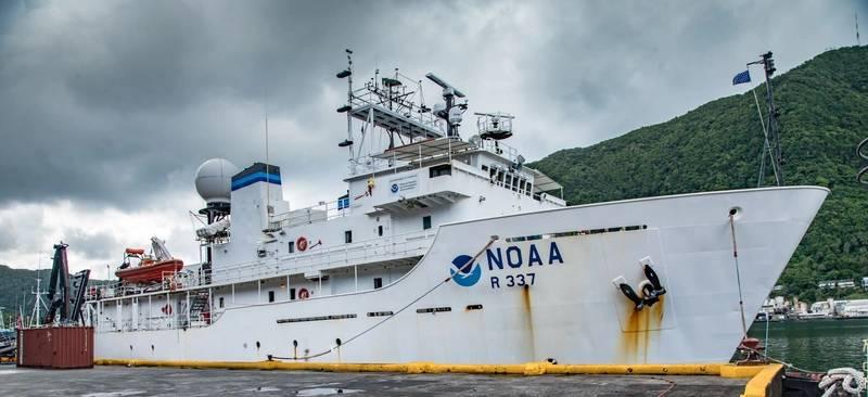 NOAA ship Okeanos Explorer heads out to sea from American Samoa. (Photo: Art Howard/GFOE)