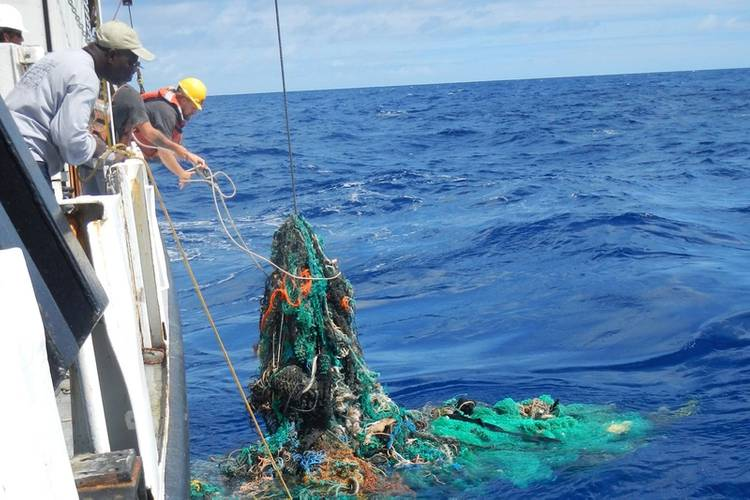 Researchers pull trash from the Pacific Ocean (Photo: The Ocean Cleanup Foundation)