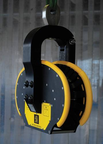 Sales Slump Gun winch and  fairlead seismic  array handling gear. Courtesy Kongsberg Evotec