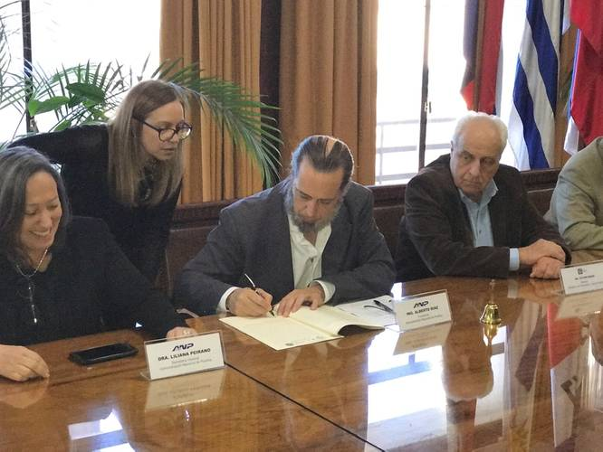 Signing ceremony custom-built TSHD ANP Uruguay
